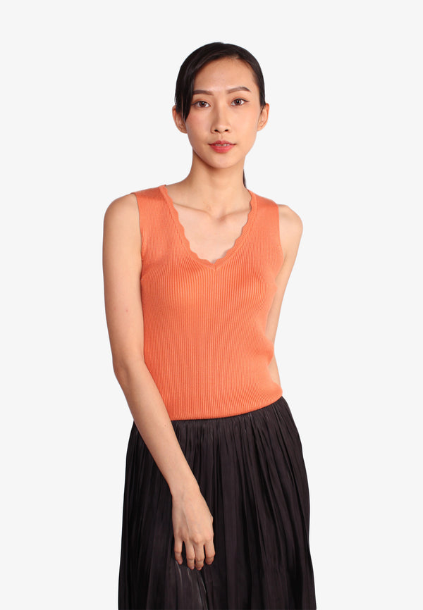 Scallop Sleeveless Knit Top