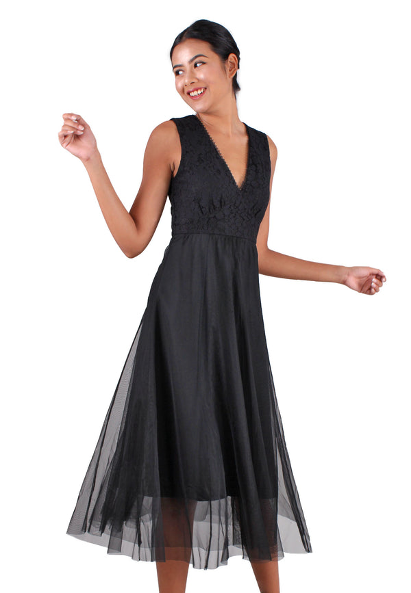 VOIR Clothing Deep-V Lace Netting Dress