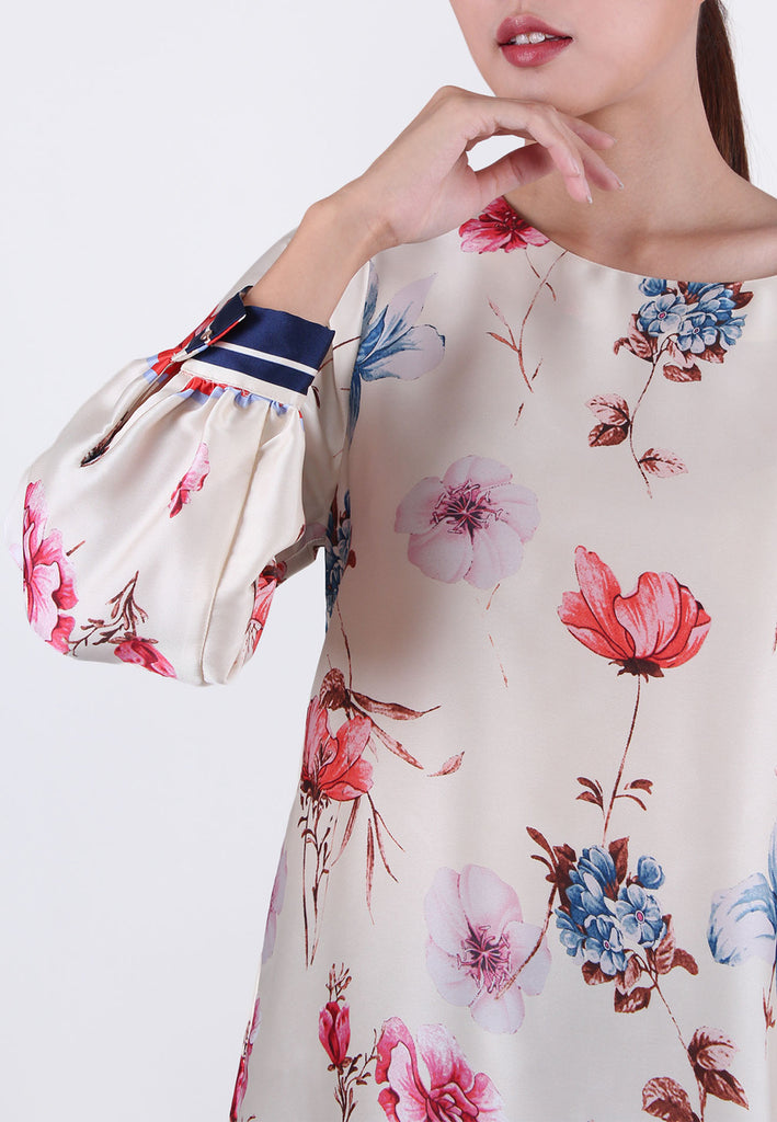 VOIR Exchange Sateen Floral Border Print Blouse