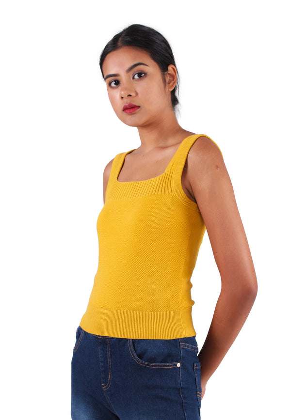 VOIR JEANS Square Neck Sleeveless Yarn Knit Top