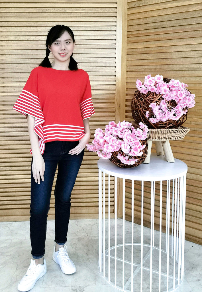 VOIR JEANS Butterfly Sleeves Knitted Blouse