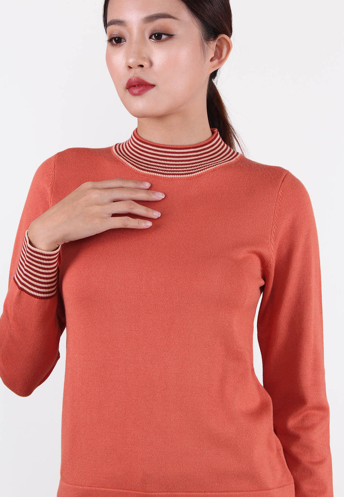 Contrasting Panels Knitted Top