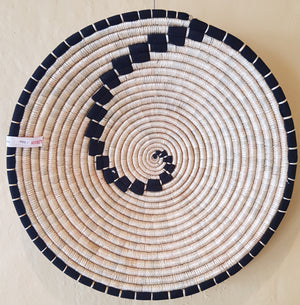 Circular Wall Hanging - black