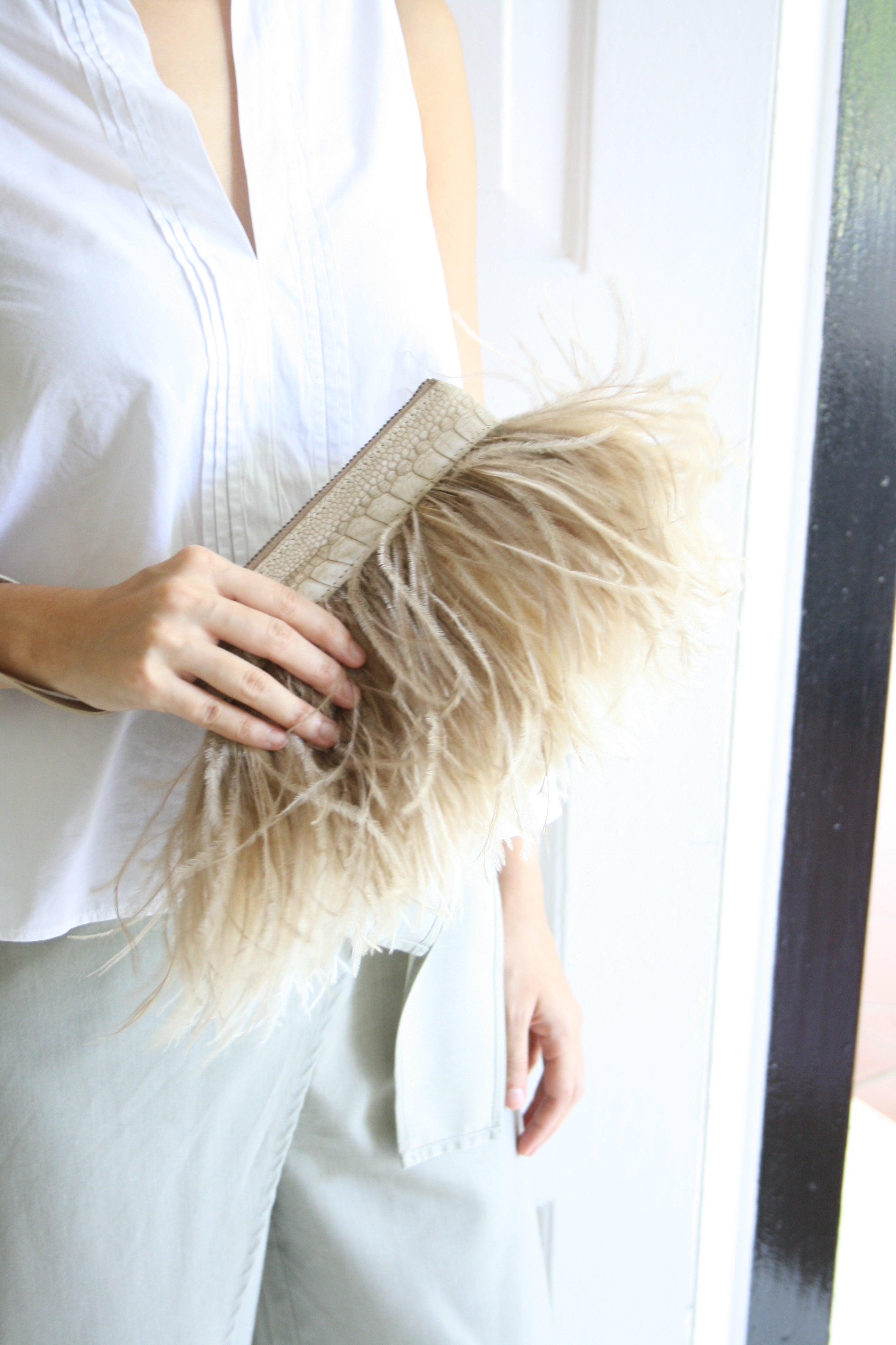 Rarity Feather Clutch - Beige & Ivory