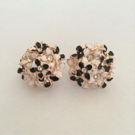 Floral Earrings-Dee SuSu-Black white-Dee SuSu