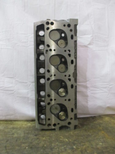 COMPLETE CYLINDER HEAD IHC V345