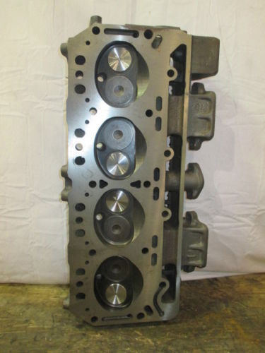 COMPLETE CYLINDER HEAD IHC V549