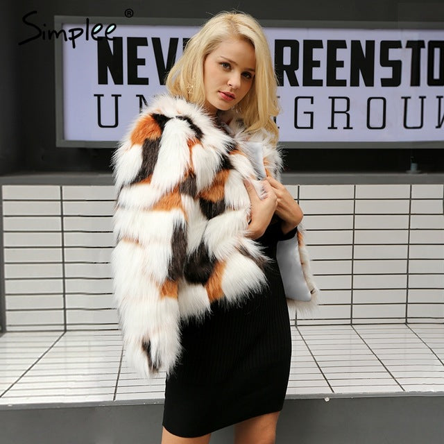 Simplee Fluffy Faux Fur Coat
