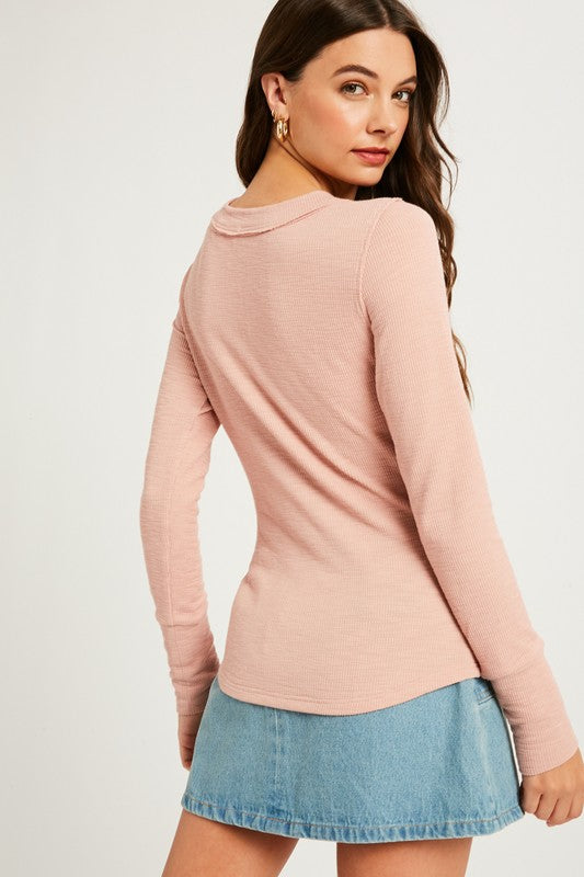 RIBBED LONG SLEEVE THERMAL HENLEY TEE