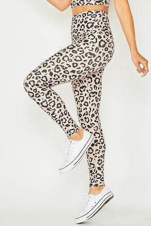 Leopard print knit leggings.