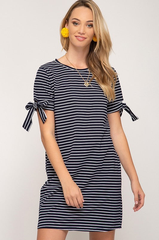SHORT SLEEVE STRIPED KNIT SHIFT DRESS