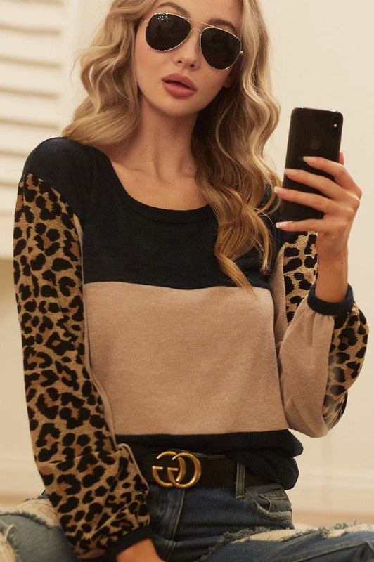 SWEATER KNIT COLOR BLOCK TOP WITH LEOPARD/Final Sale