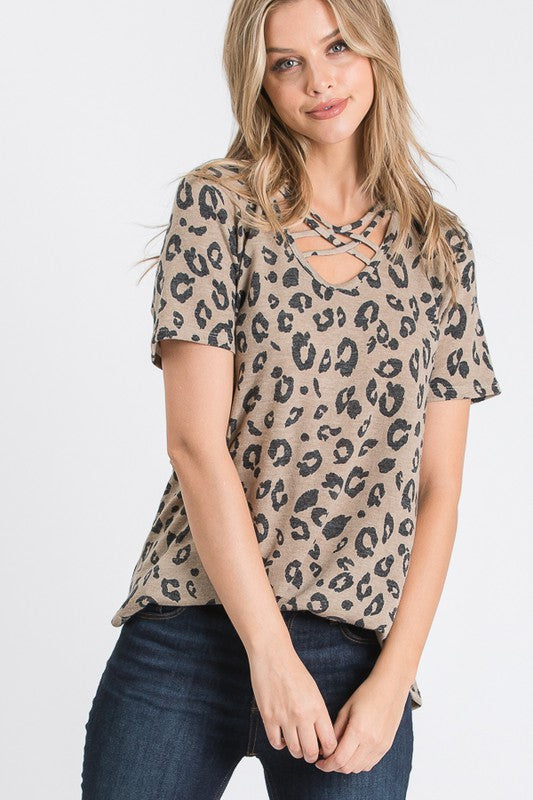CRISSCROSS V NECK LEOPARD TOP