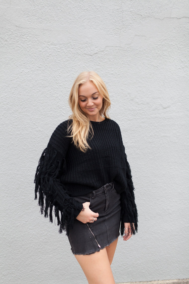 FRINGE SLEEVE CROP SWEATER