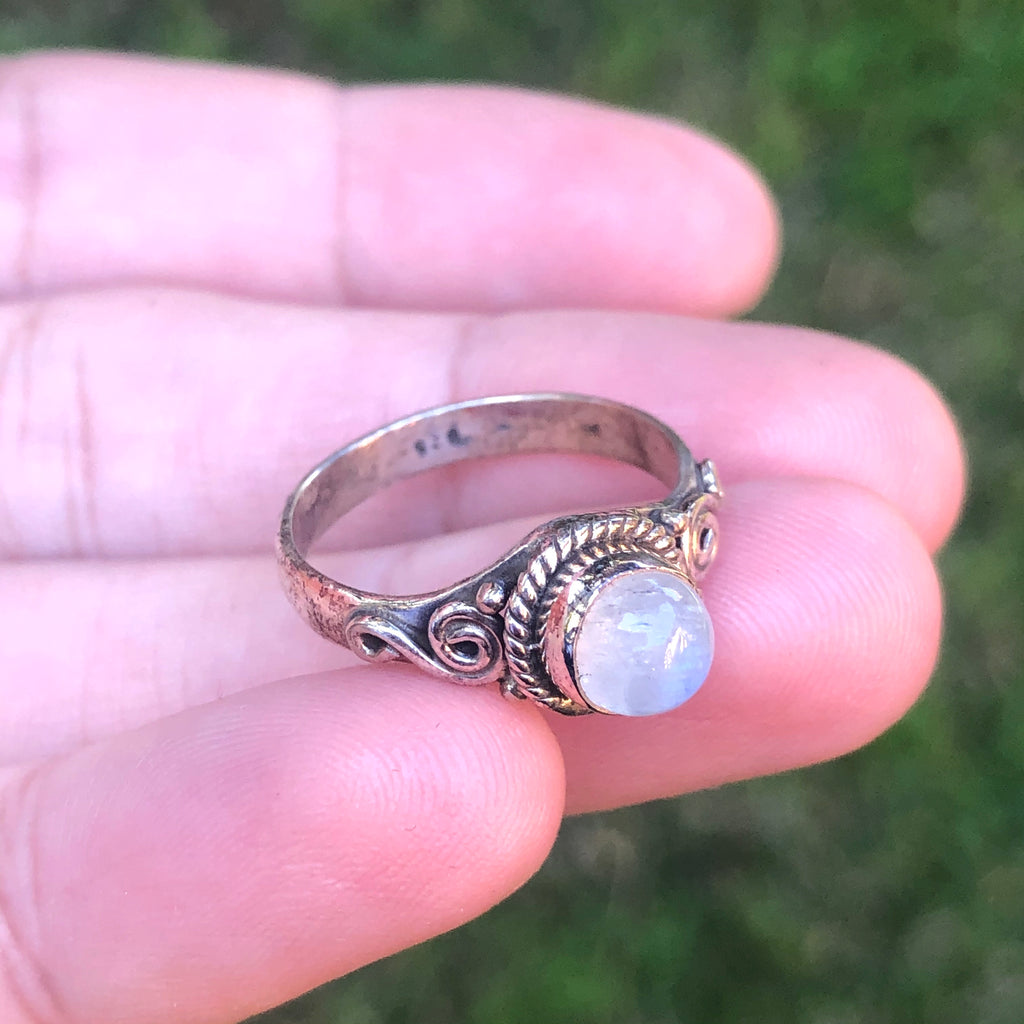 Rainbow Moonstone Sterling Silver Ring 6 (L)