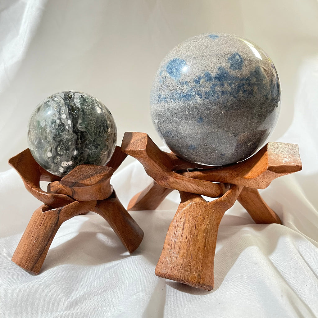 Wooden Tripod Flat Sphere Stand