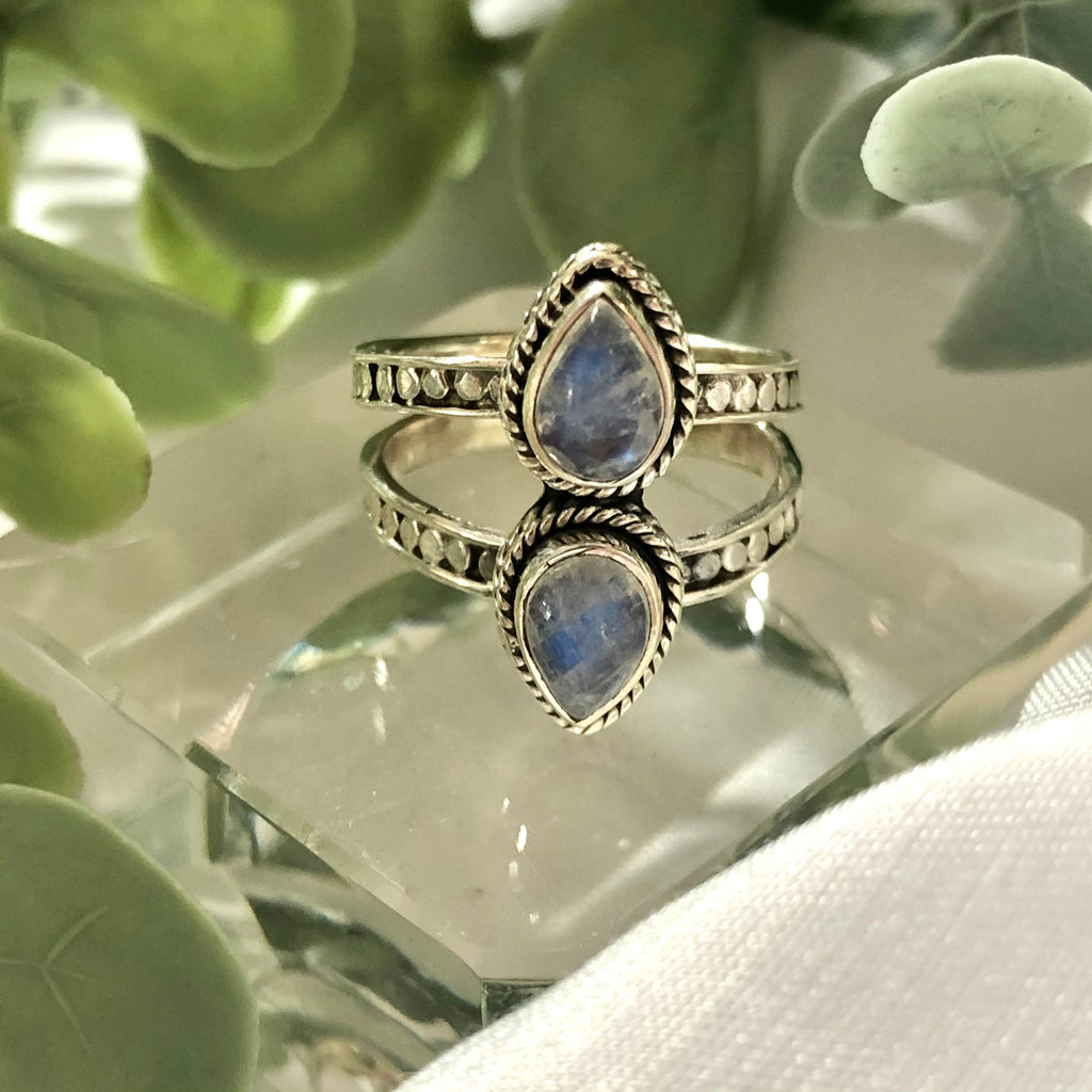 Rainbow Moonstone Ring Sterling Silver size 6.75  ( N )