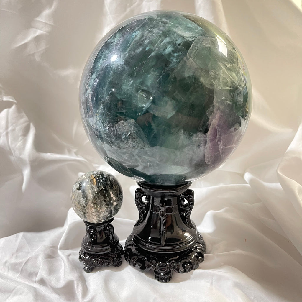 Ornate Resin Sphere Stand