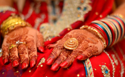 breathablel nail polish on mehndi henna hands