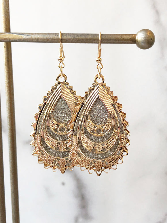 Two Tone Luxe Scalloped Dangles