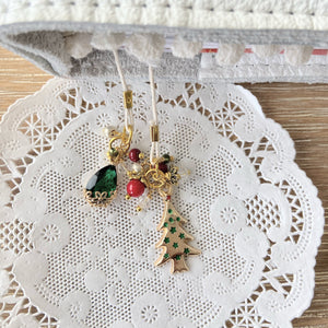 Holiday Tree Christmas Bookmark