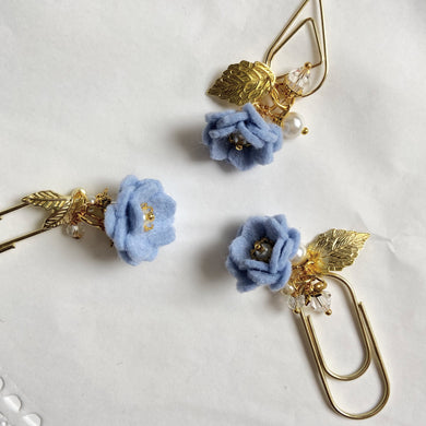 Periwinkle Felt Flower Dangle clip