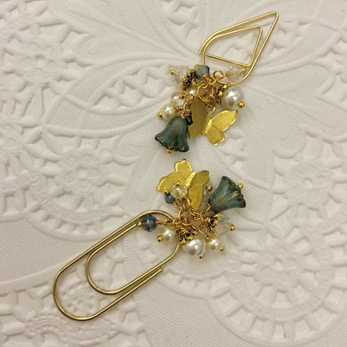 Teal Glass Tulip Dangle clip