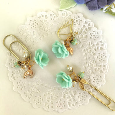 Felt Flower Dangle in Aqua