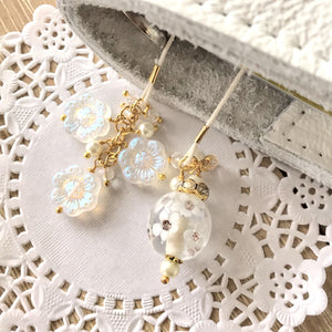 White Wonder Glass Flowers and Beads Bookmark