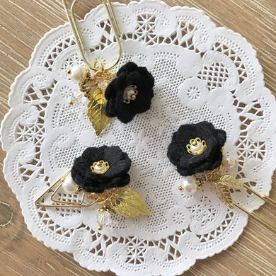 Black Felt Flower Dangle clip