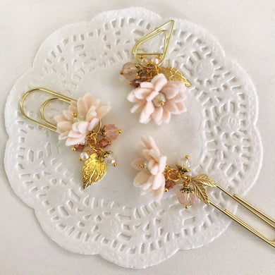 Porcelain Felt Flower Dangle clip