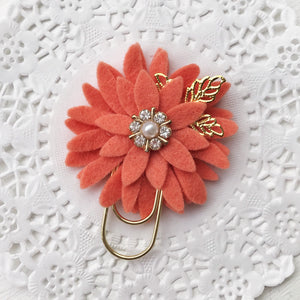 Light Salmon Dahlia Baby Wide Paper Clip
