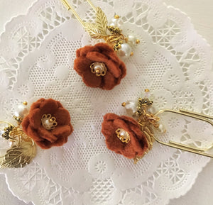 Rust Felt Flower Dangle clip