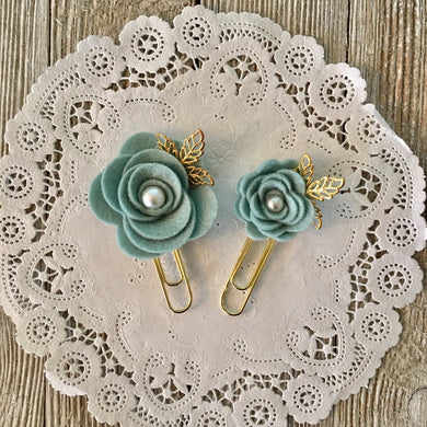 Dusty Blue Felt Flower Paper Clip Set, Travelers Notebook Bookmark, Travelers Notebook Accessories, TN Charms, TN Accessories
