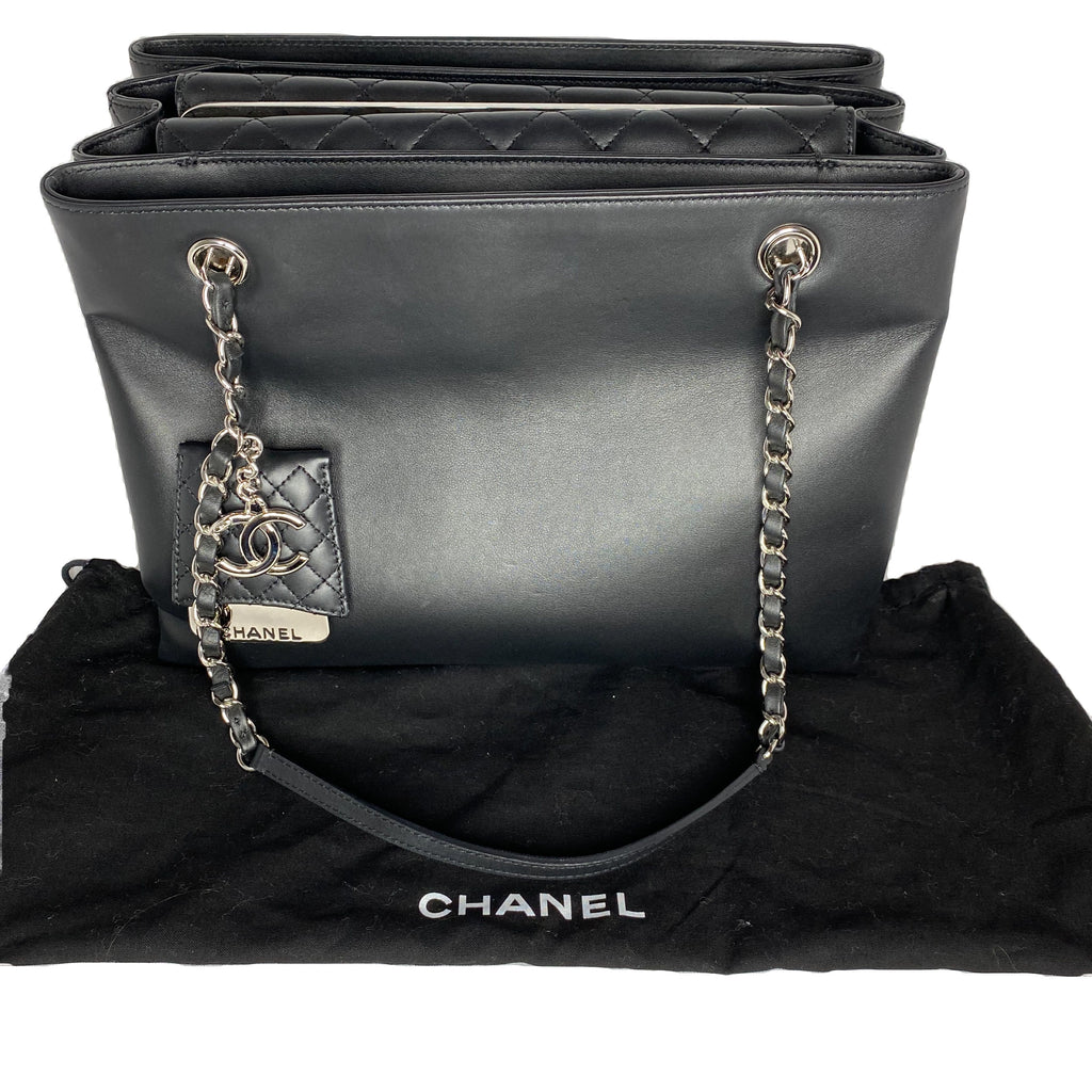 Chanel Large Classic Shopping Tote