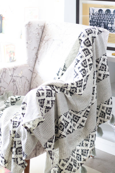 Printed cotton throw blanket - Handloom Cotton throws - Black and grey - sofa throw with tassels - 55x70 inches