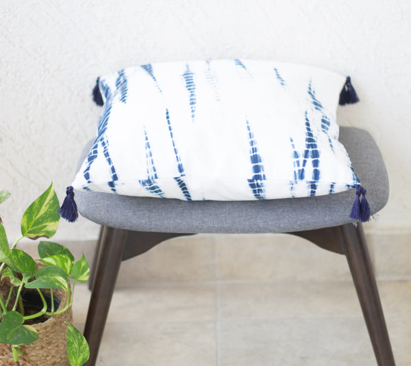 Tie and dye decorative cushion covers - Shibori cushions with tassels- Blue and white  18x18 inches