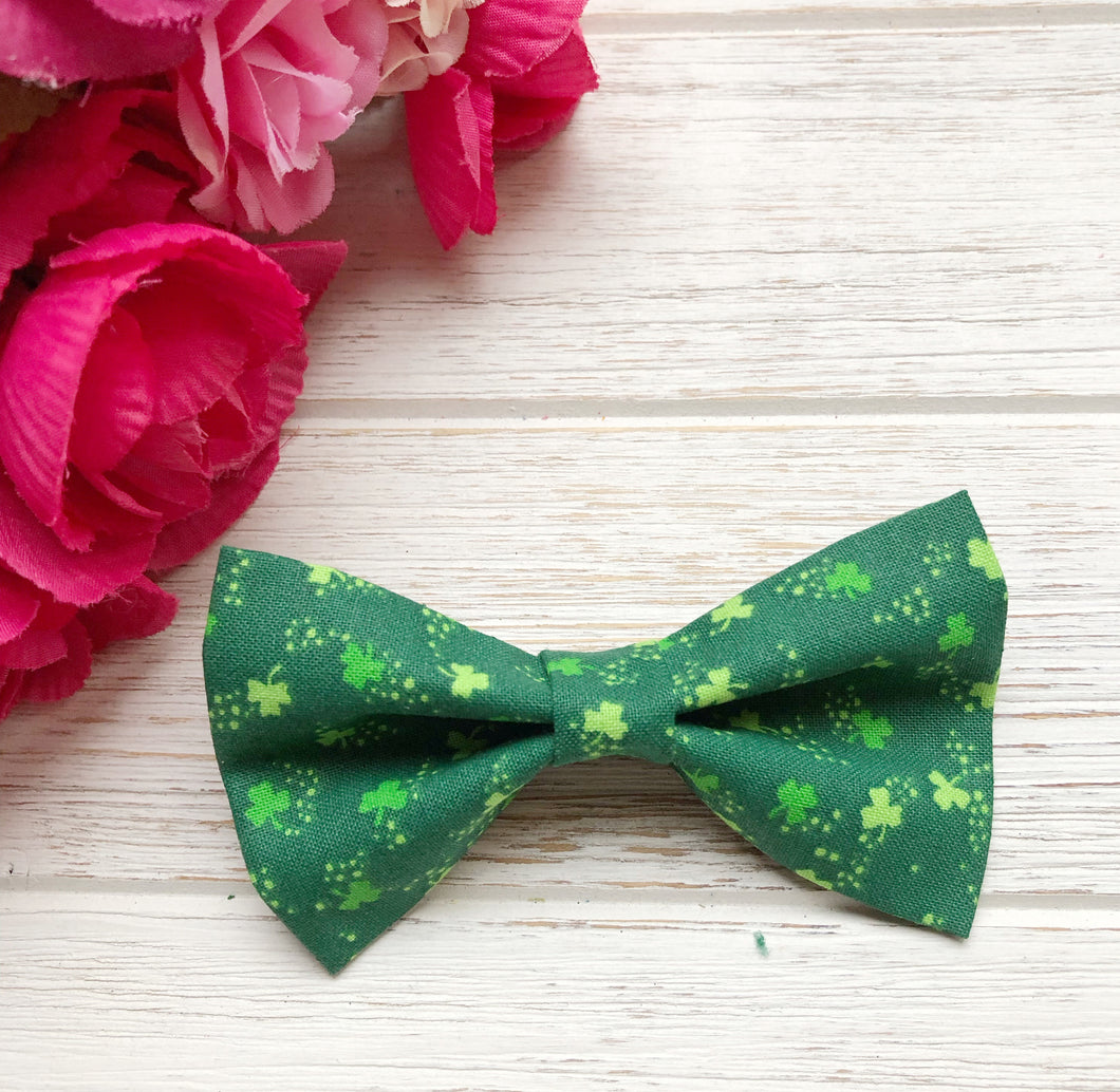 St Patrick's Day Shamrock Bow Tie Clip | Adjustable Band