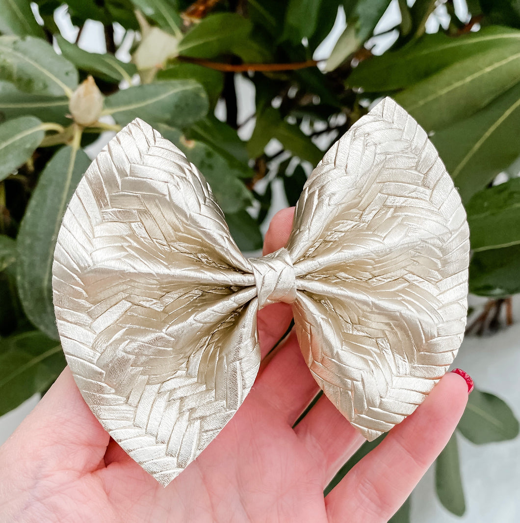"""BABY GIRL HAIR BOWS""""HAIR BOW HAIRSTYLE"" ""GIRLS HAIR ACCESSORIES""""HAIR BOWS AMAZON""""BOUTIQUE HAIR BOWS""""OVERSIZED HAIR BOWS""""POPULAR HAIR BOWS""""TODDLER HAIR BOWS"" ""HAIR BOW CLIP"" ""JOJO BOWS"" ""BOWS AND HEADBANDS"" ""HANDMADE BOW"" ""LEATHER BRAIDED BOW"" ""BIG BOW"""
