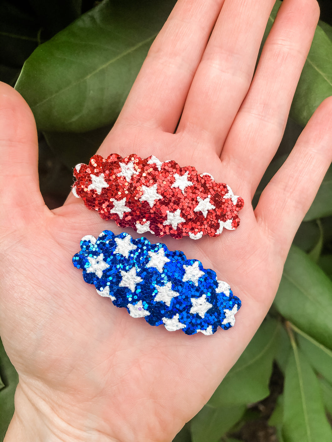 Scalloped PATRIOTIC Stars SET OF 2 FULL Snap Clips