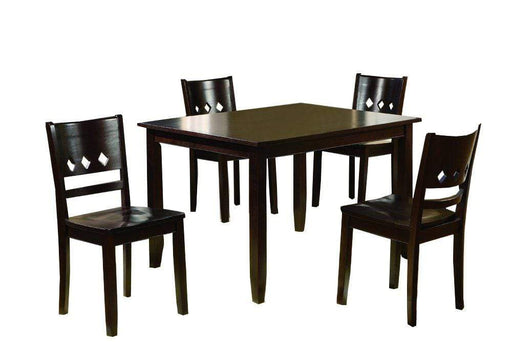 Paso Dining Table and Chair Set