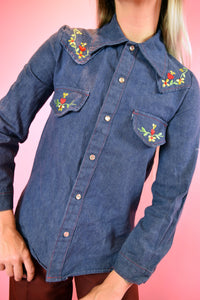 EBROIDERED DENIM BUTTON UP