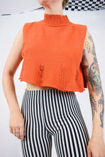 90s DISTRESSED ORANGE CROP - S/M