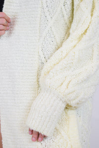 70s OFF WHITE CHUNKY SWEATER - O/S
