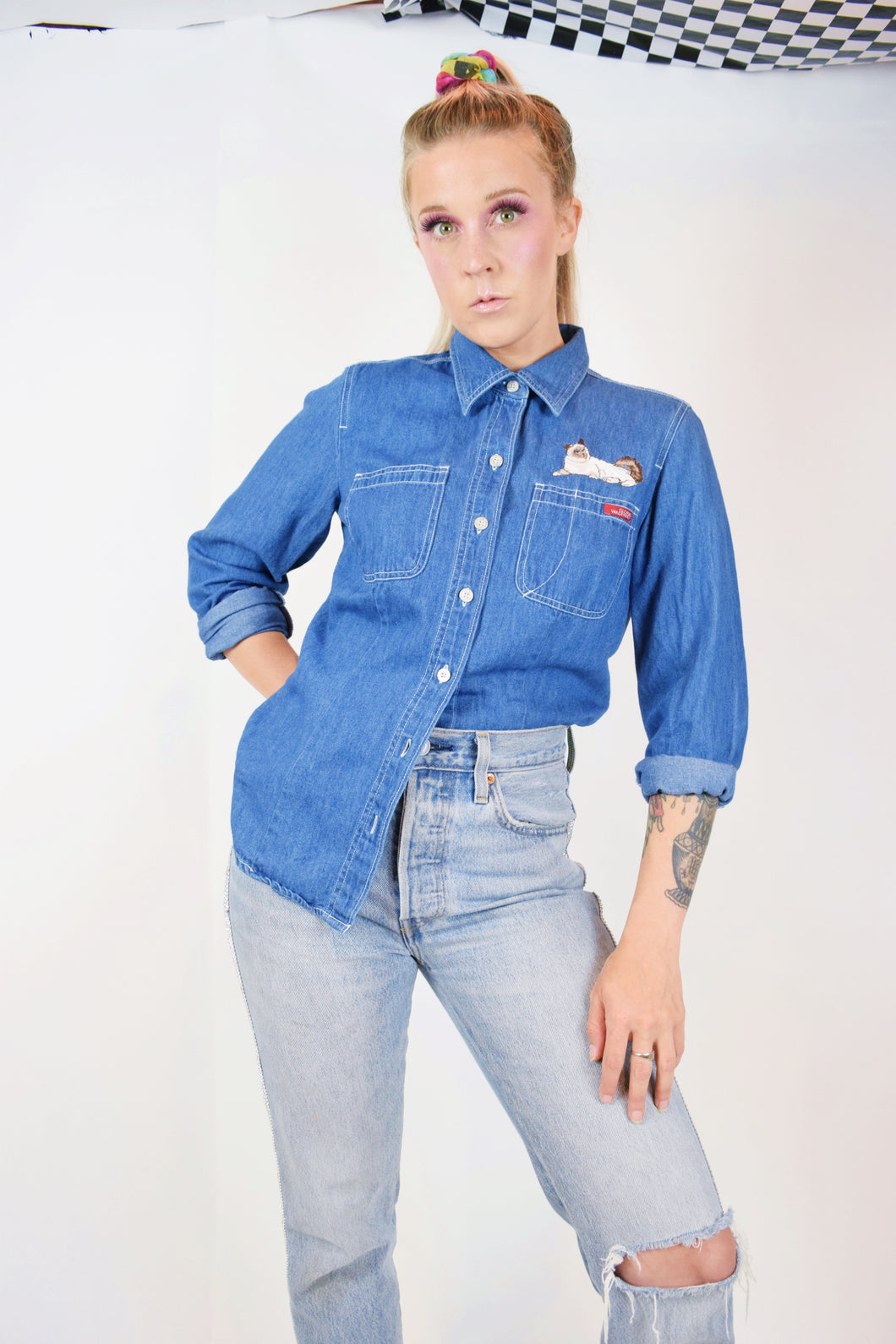 90s DENIM KITTY BUTTON UP - SMALL