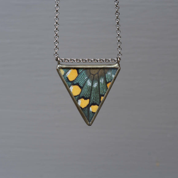 Parallel Isosceles Necklace