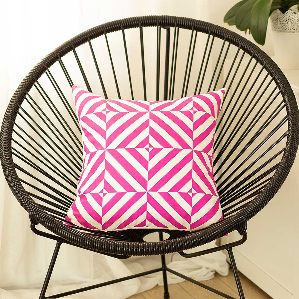 "18""x18"" Pink Geometric Diagram Decorative Throw Pillow Cover"