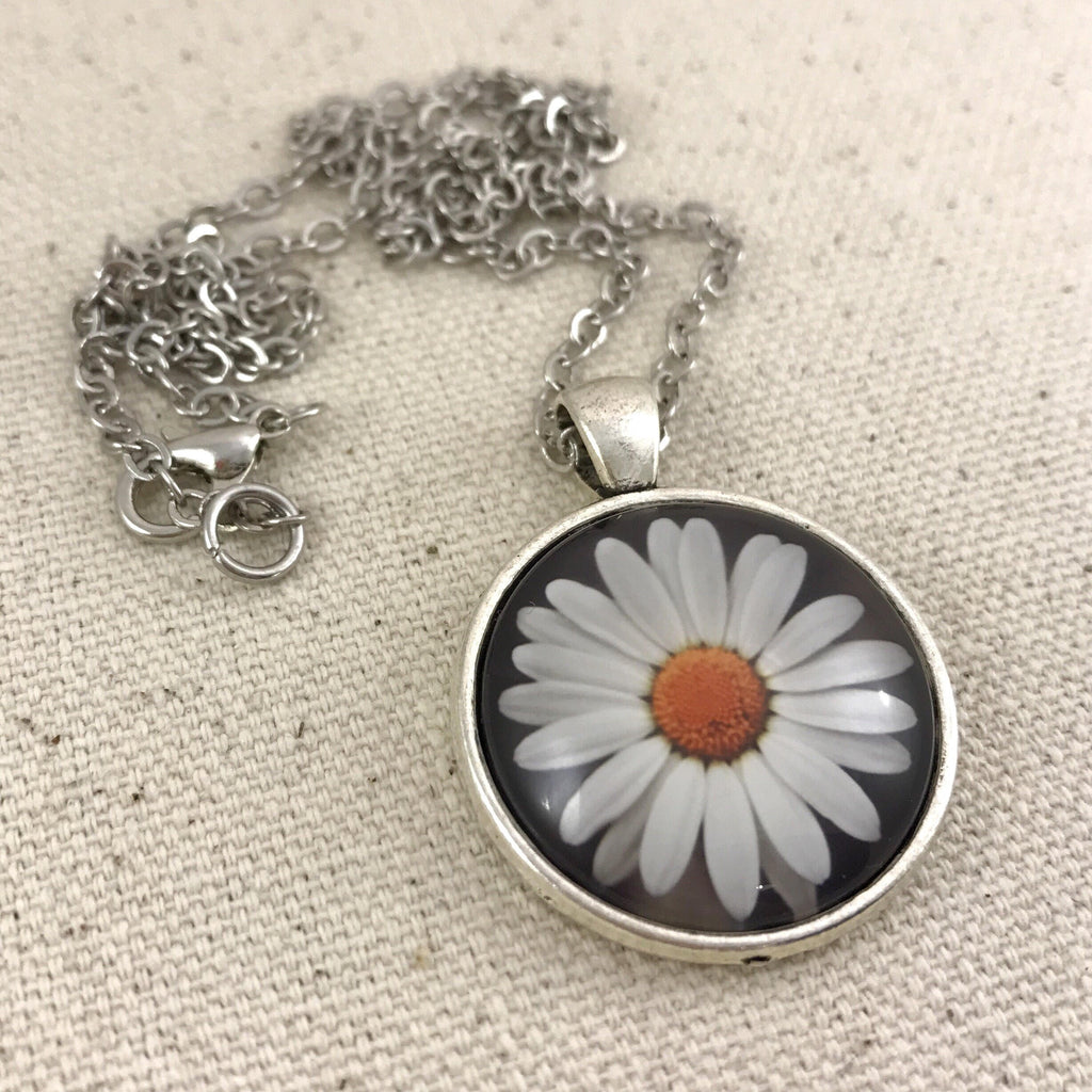 Daisy Necklace - Antique Silver
