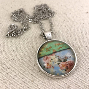Chippy Wood and Floral Necklace - Antique Silver