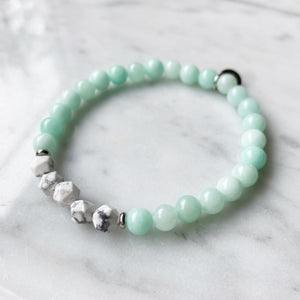 Amazonite and Howlite Bracelet - 6mm